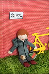 Knippie 0415 37 Poppenkleertjes naar school